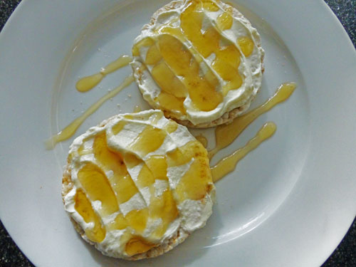Premo from London - Sweet afternoon with rice cakes, natural yogurt and artisan honey (2)