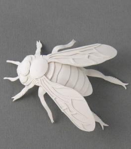 Elsa Moro paper bee